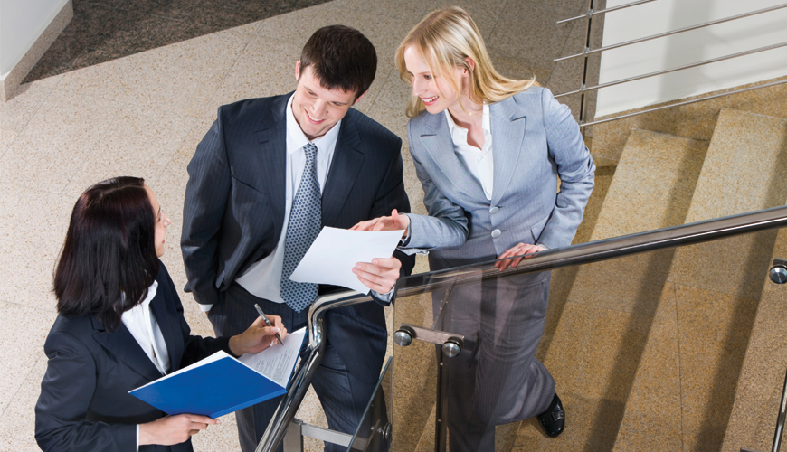 为公司产品及服务提供市场营销等一系列服务